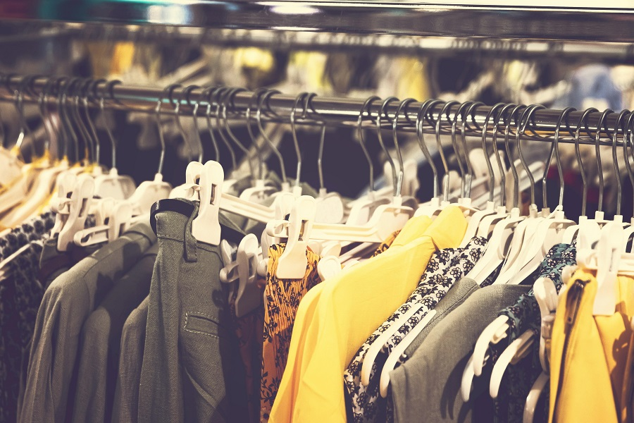 Choose a wholesaler that sells quality clothing