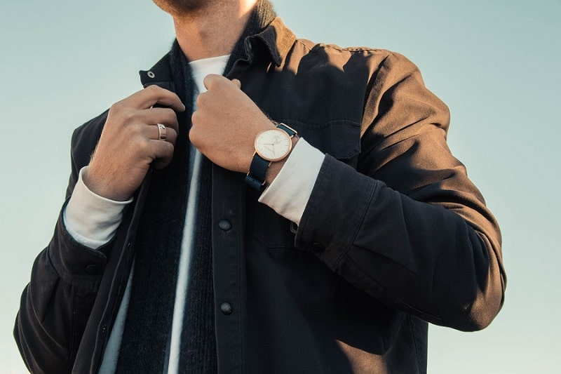 Luxury fashion dropshipping: Designer watches are a must in your collection