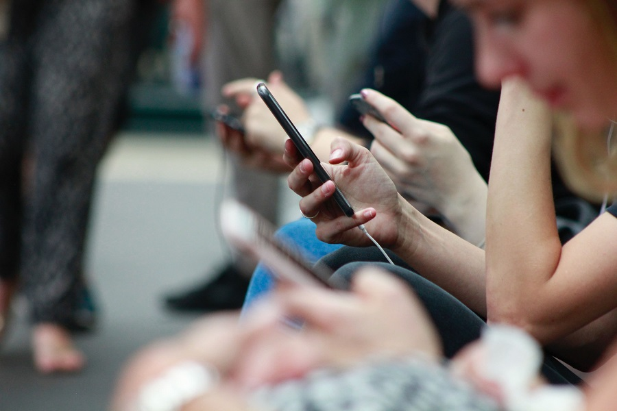 Optimizing an online store for mobile devices can improve eCommerce conversion rate