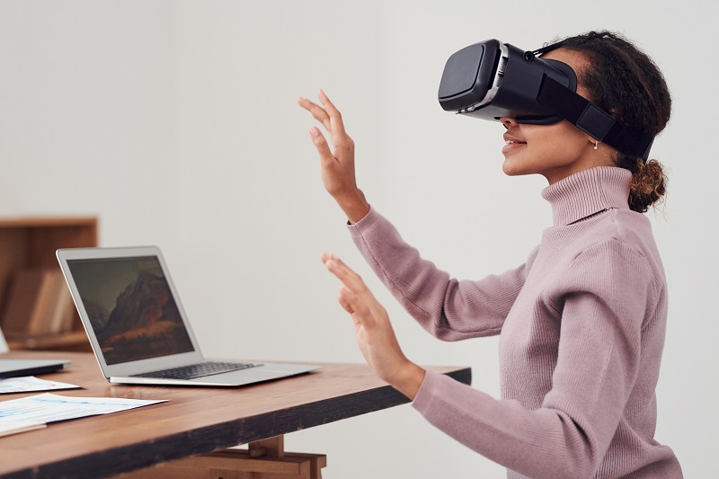 Virtual Reality will shape up the eCommerce and dropshipping industry