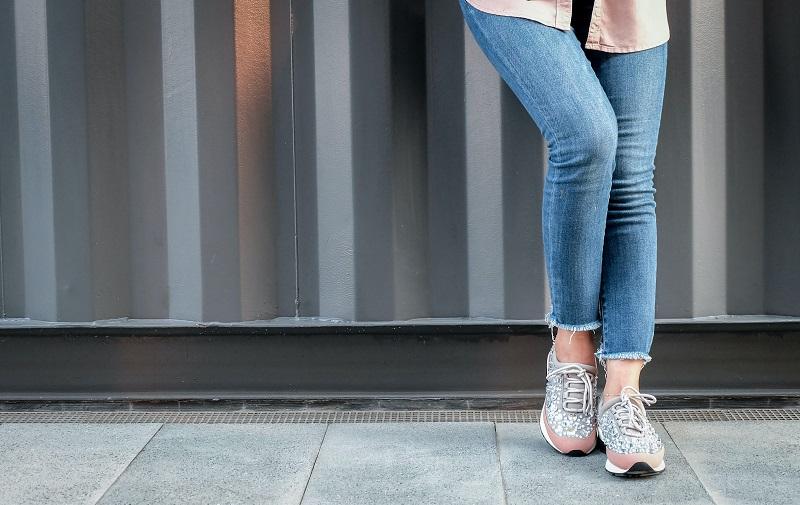 branded wholesale sneakers at BrandsGateway