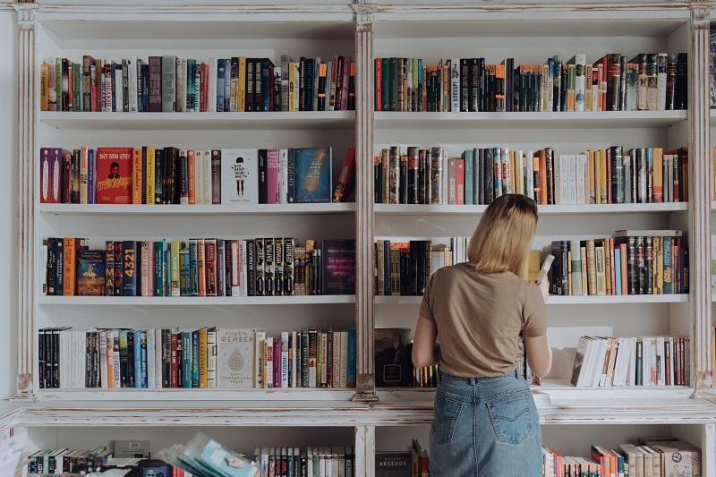 Dropshipping books for entrepreneurs