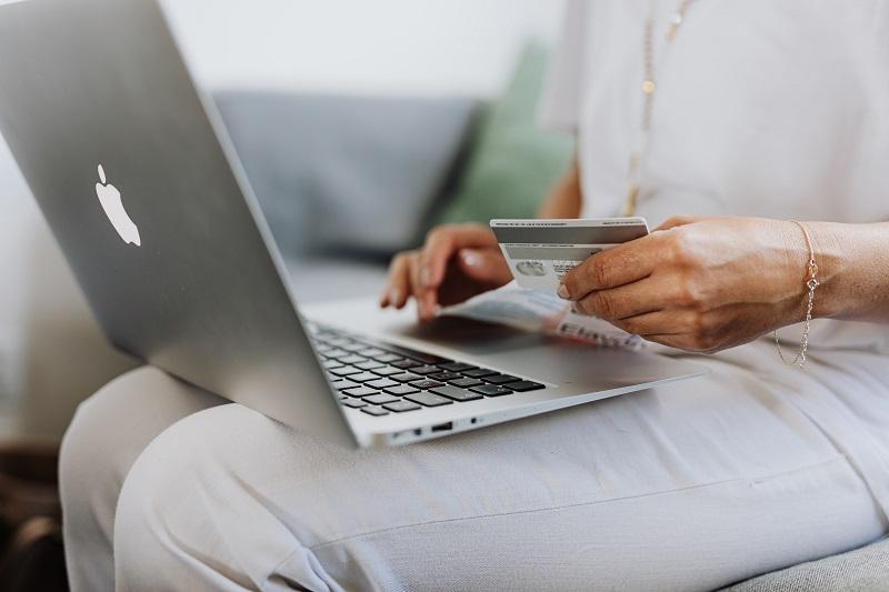 Shopping via laptop